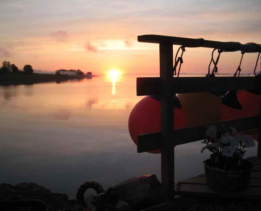 Solnedgang i Lillevik